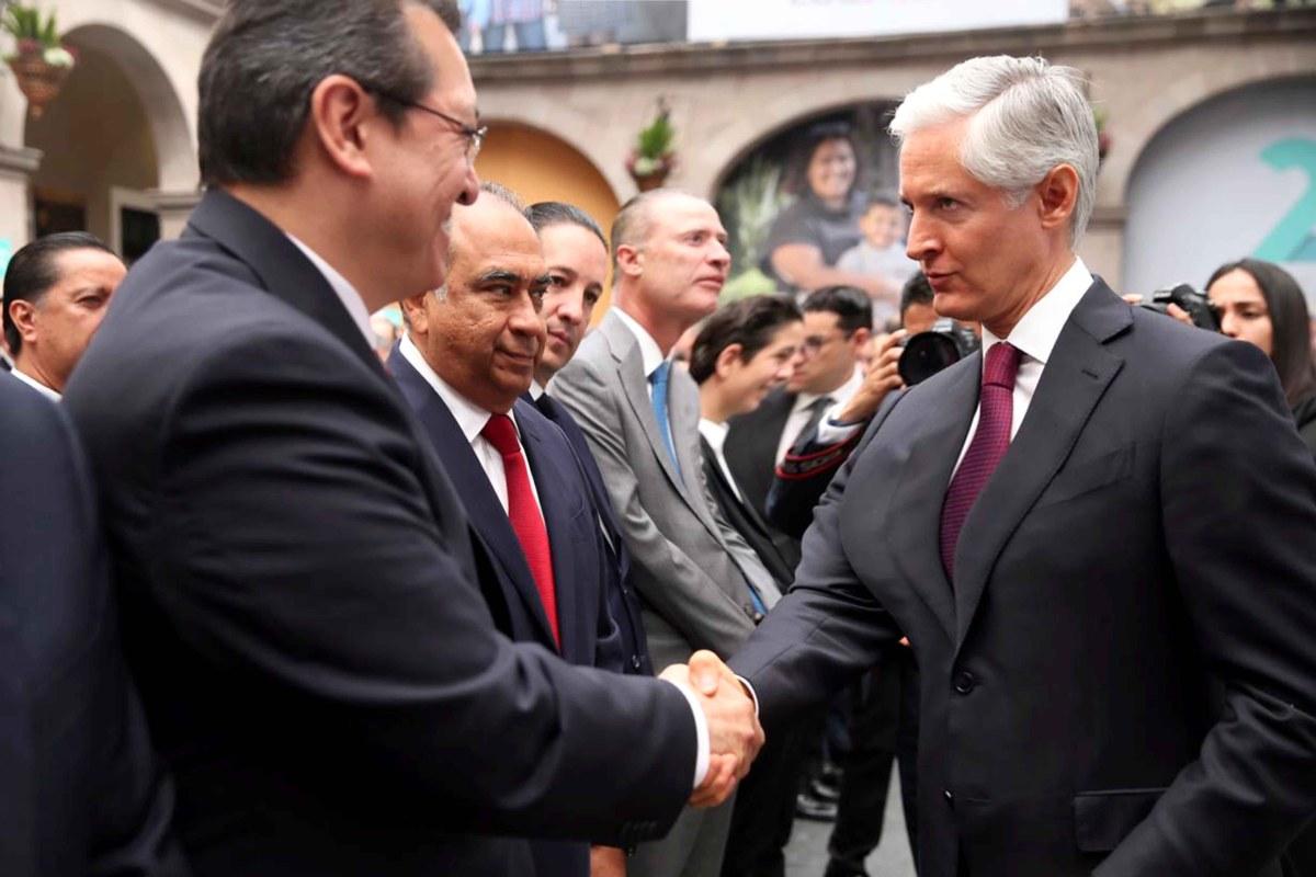 Marco Mena asiste a segundo informe del gobernador del estado de México Alfredo delmazo