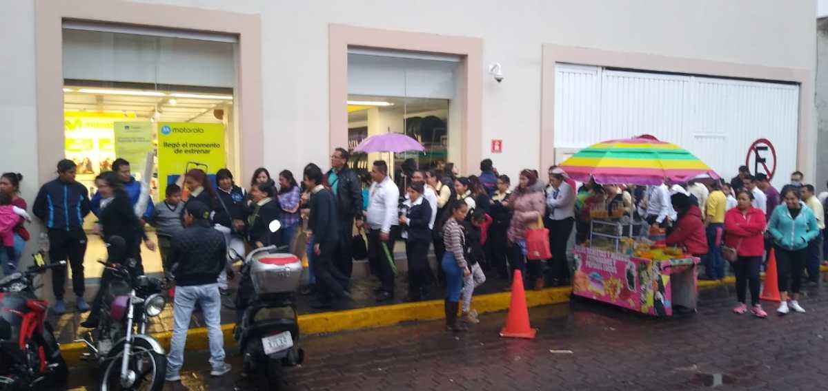 Evacuan tienda departamental en la capitalTlaxcalteca