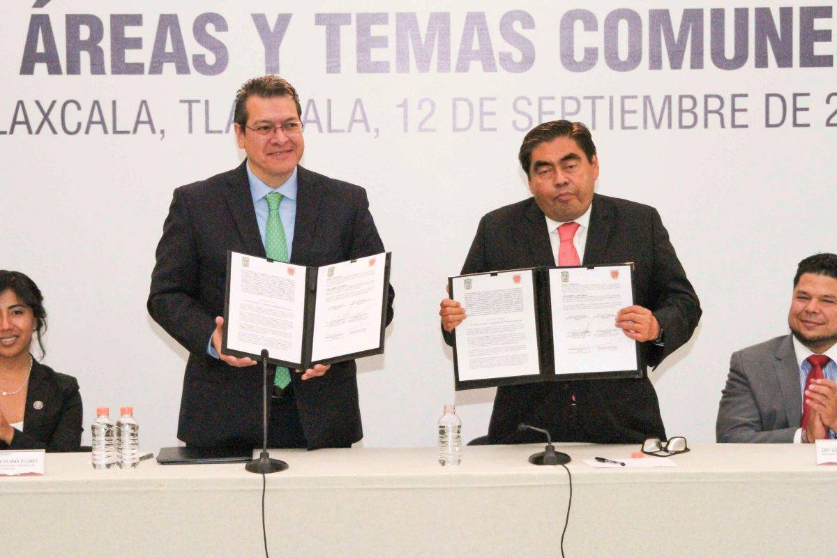 Marco Mena y Miguel Barbosa firman convenio de coordinacion para el desarrollo de Tlaxcala yPuebla