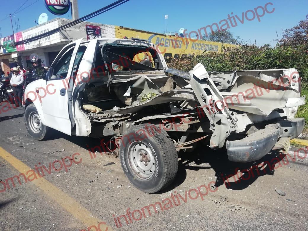Explota camioneta con pirotecnia en Cuaxomulco, Hay dosheridos