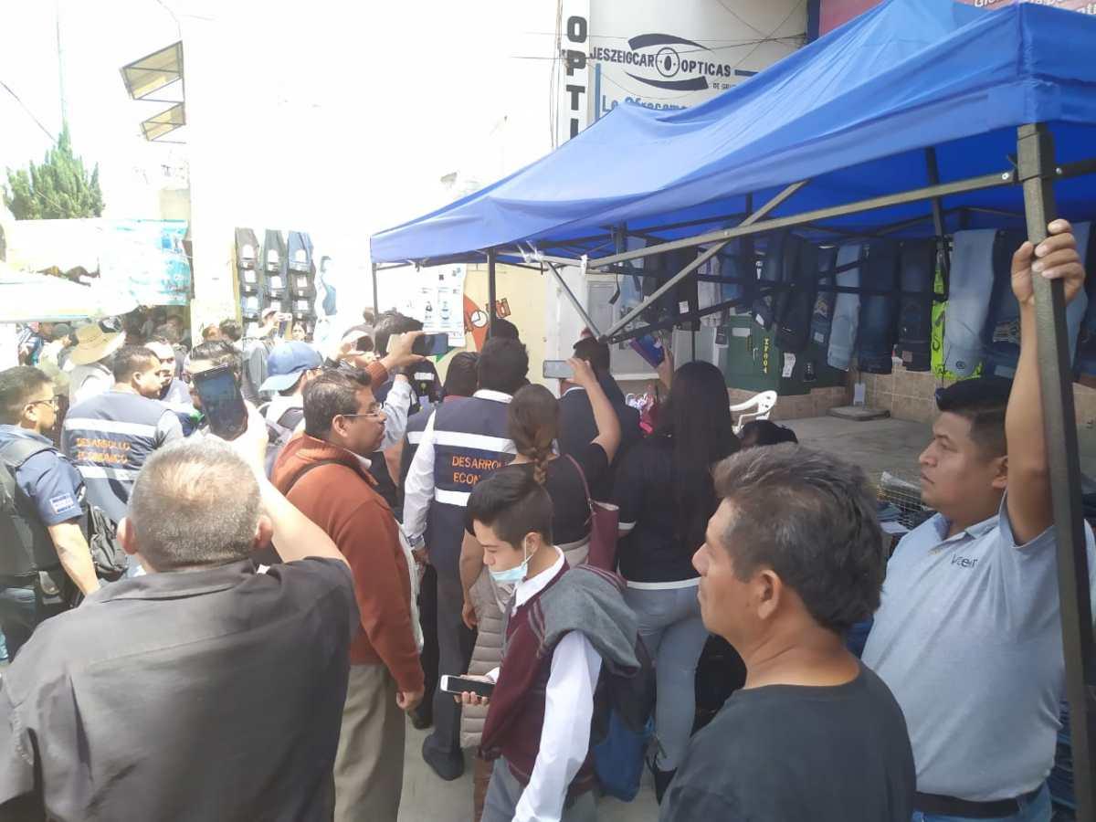 Retiran a comerciantes irregulares enApizaco