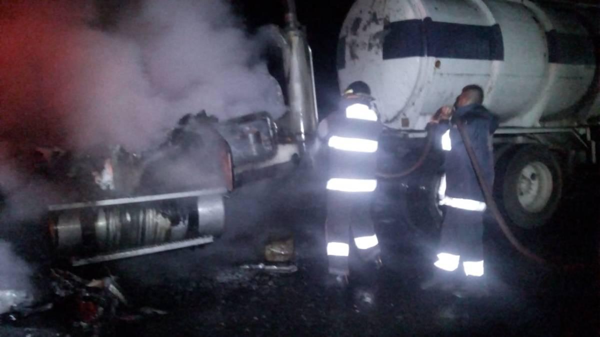Incendia pipa en laMéxico-Veracruz