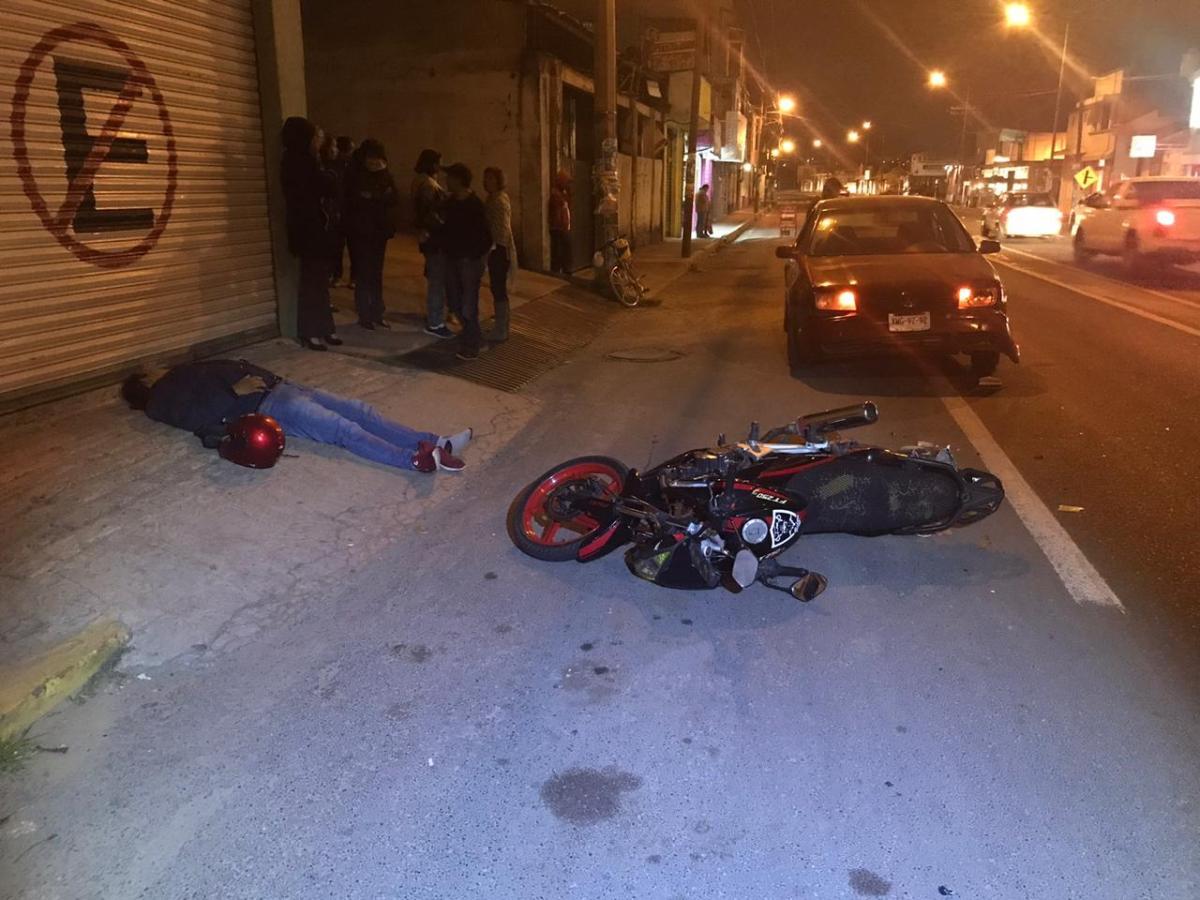 """""""Por alcance"""" atropellan a motociclista enAcuitlapilco"""