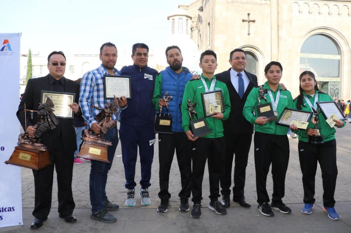 Entregan Premio Municipal del Deporte en Apizaco durante conmemoración de laRevolución