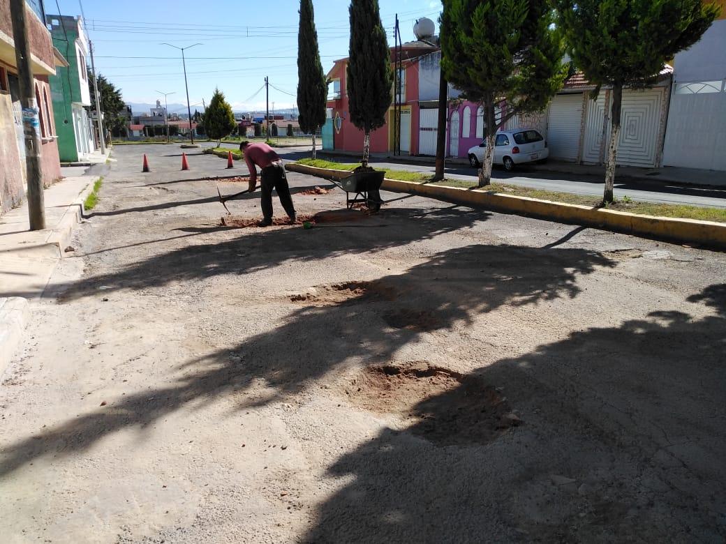 Programa permanente de bacheo ejecuta trabajos en el Boulevard del Sol deApizaco