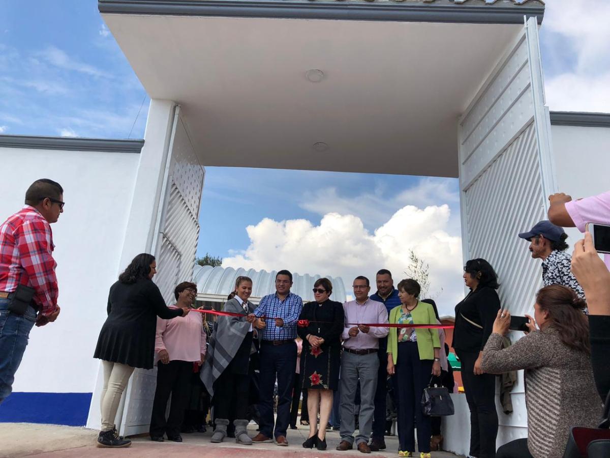 Alcalde de Apizaco entrega obra en escuela de Santa AnitaHuiloac
