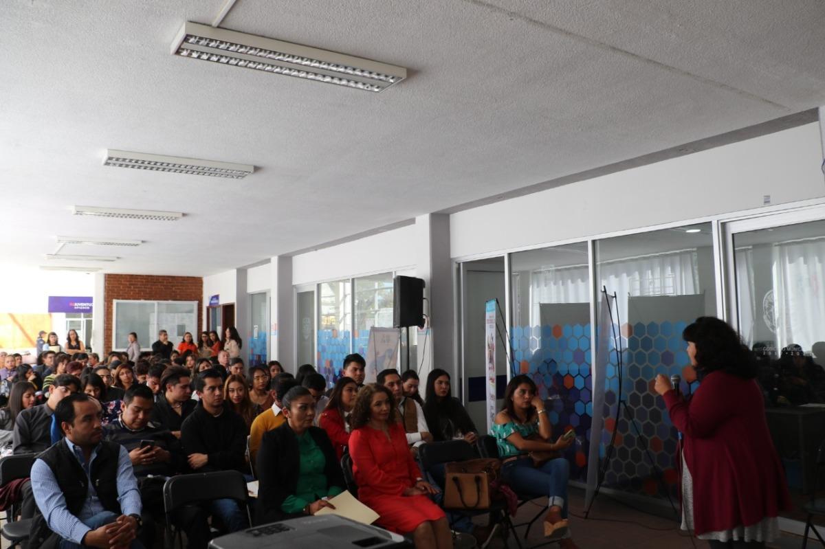 Imparten en Apizaco conferencia ''De la Violencia al Éxito'', en el marco del DíaNaranja