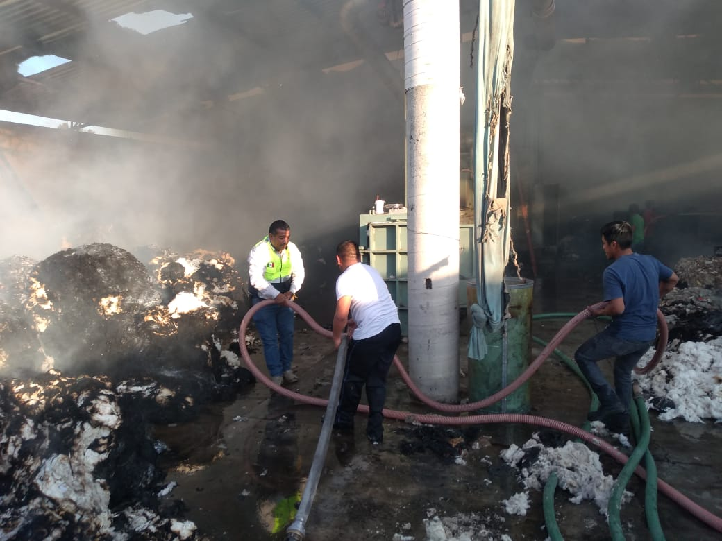 Sofocan autoridades incendio enfábrica