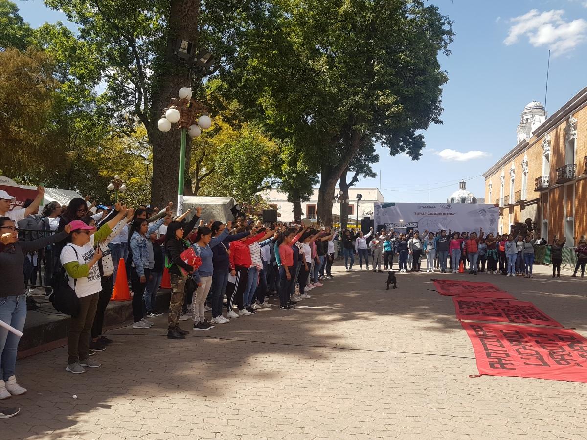 Exigen justicia para los 43 normalistas desaparecidos deAyotzinapa