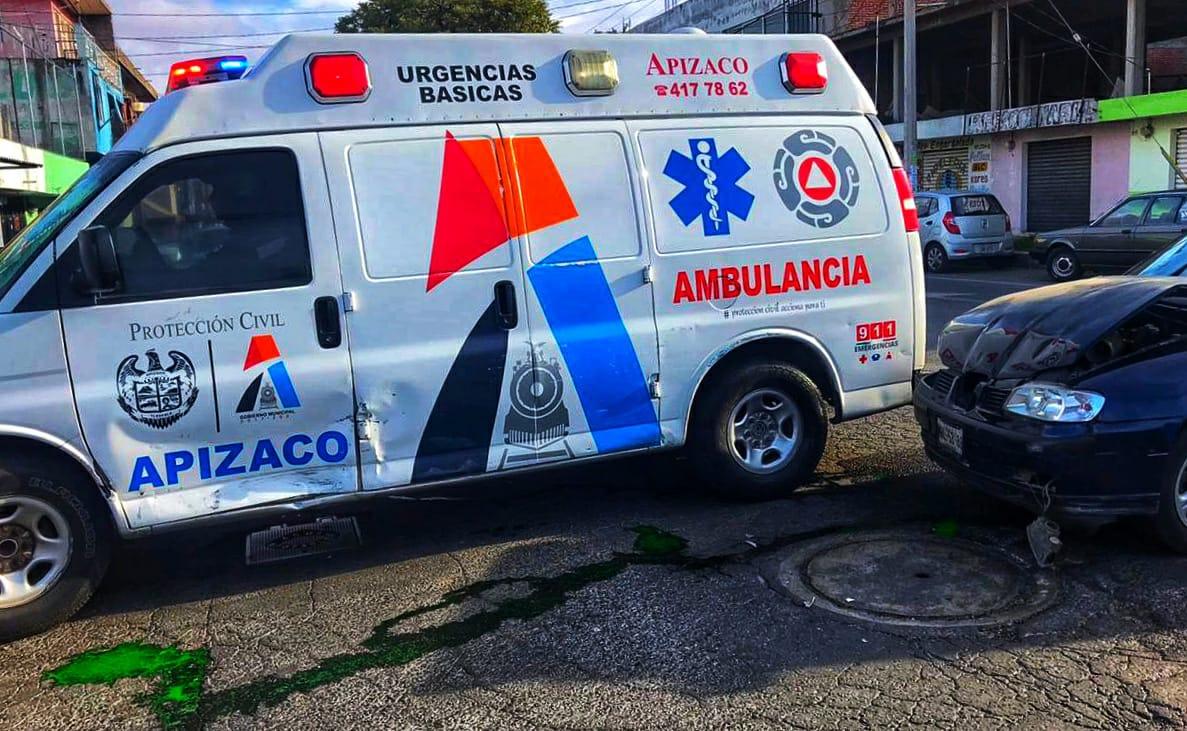 Colisiona particular a ambulancia enApizaco