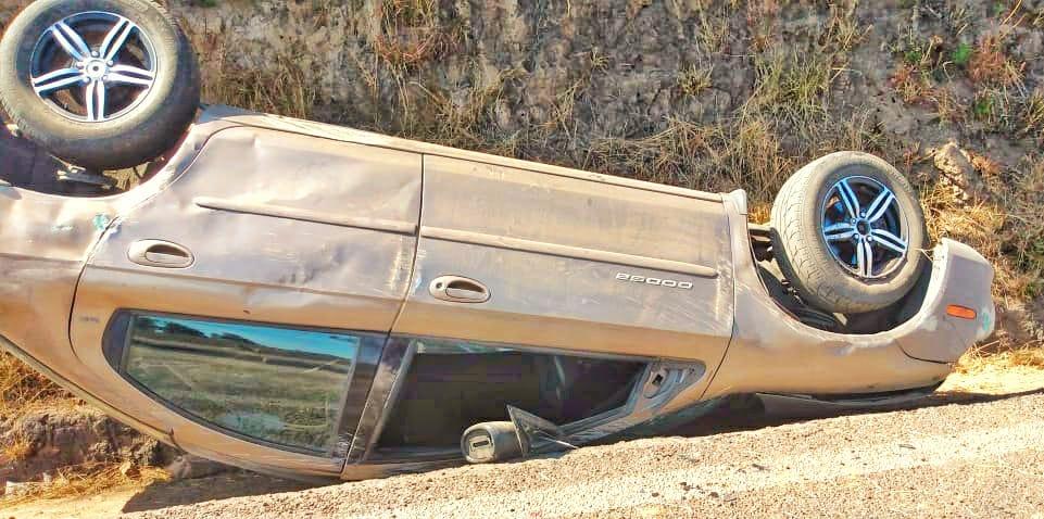 Deja dos lesionados volcadura en la Apizaco-Tlaxcala