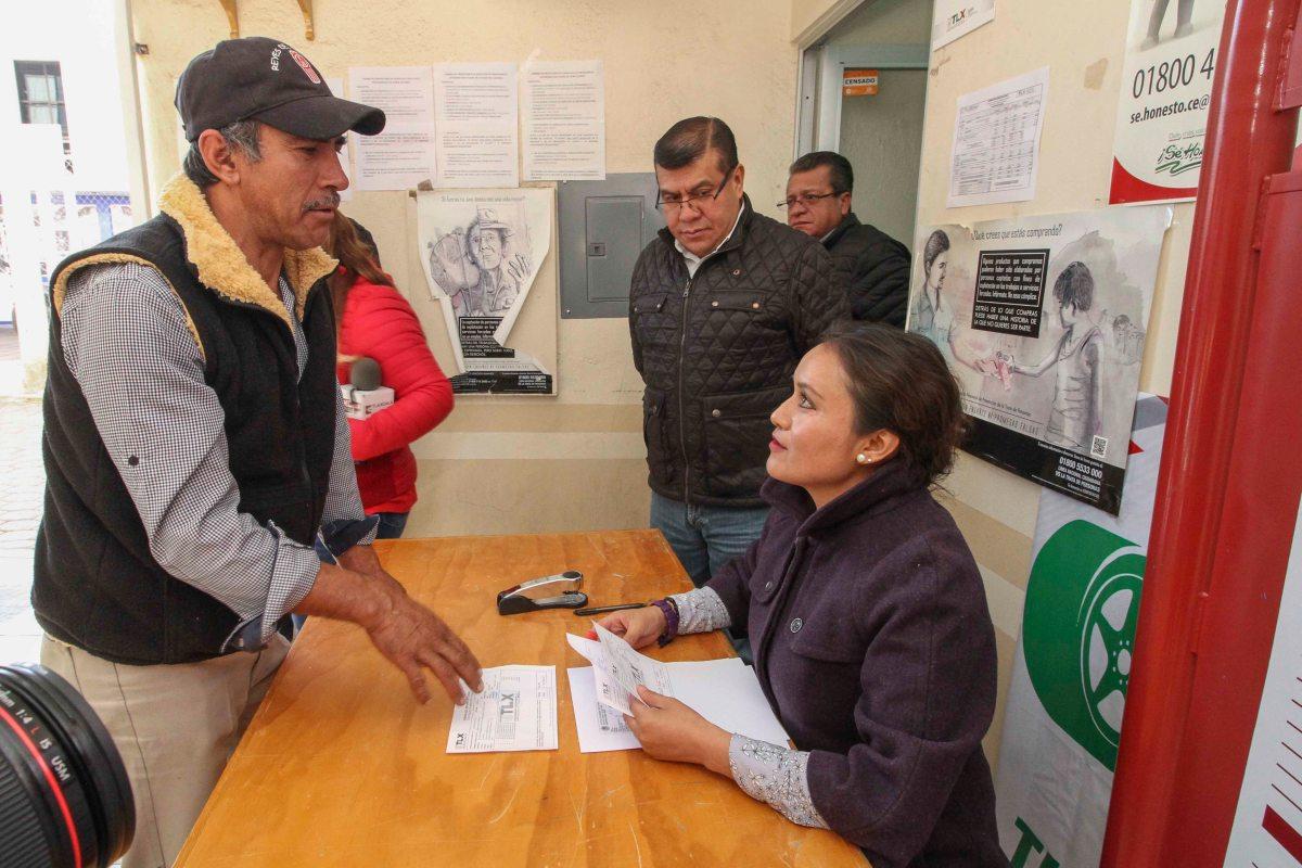 Supervisa secte canje de placas en delegación deTlaxco