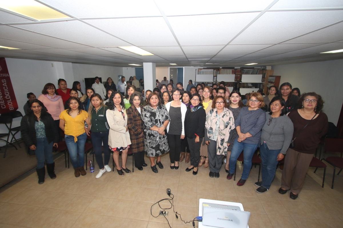 Con actividad científica el CTBC de la UATx celebra el día de lamujer