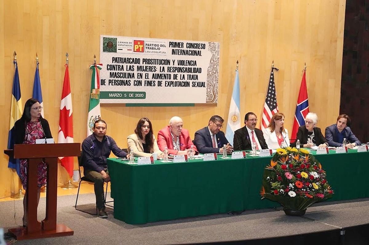 Participó UATx en primer congreso internacional patriarcado, prostitución y violencia contra lasmujeres