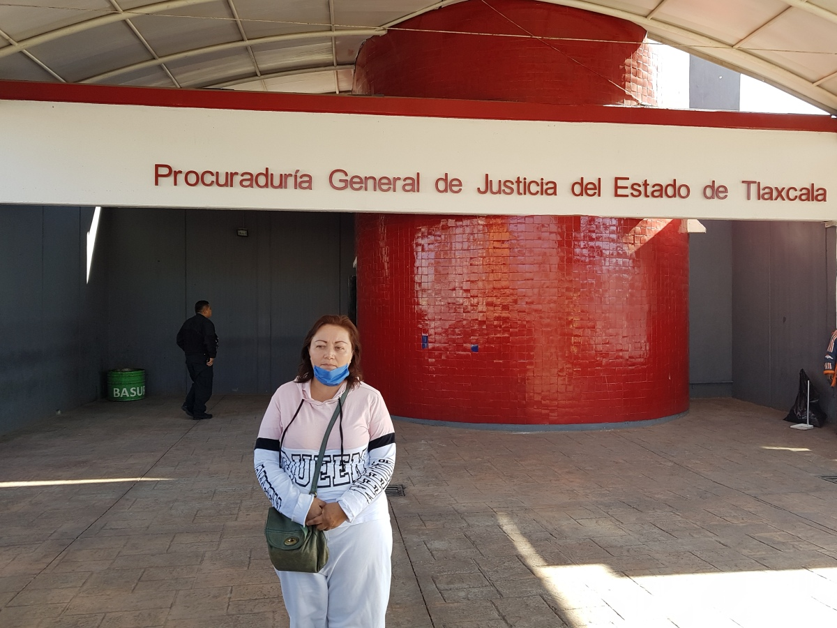 """""""Que dé la cara"""", exige madre de víctima de profesor presuntamenteprófugo"""