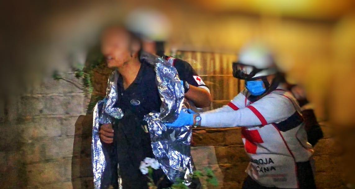 Activan CEPC protocolo de rescate de joven caído abarranca